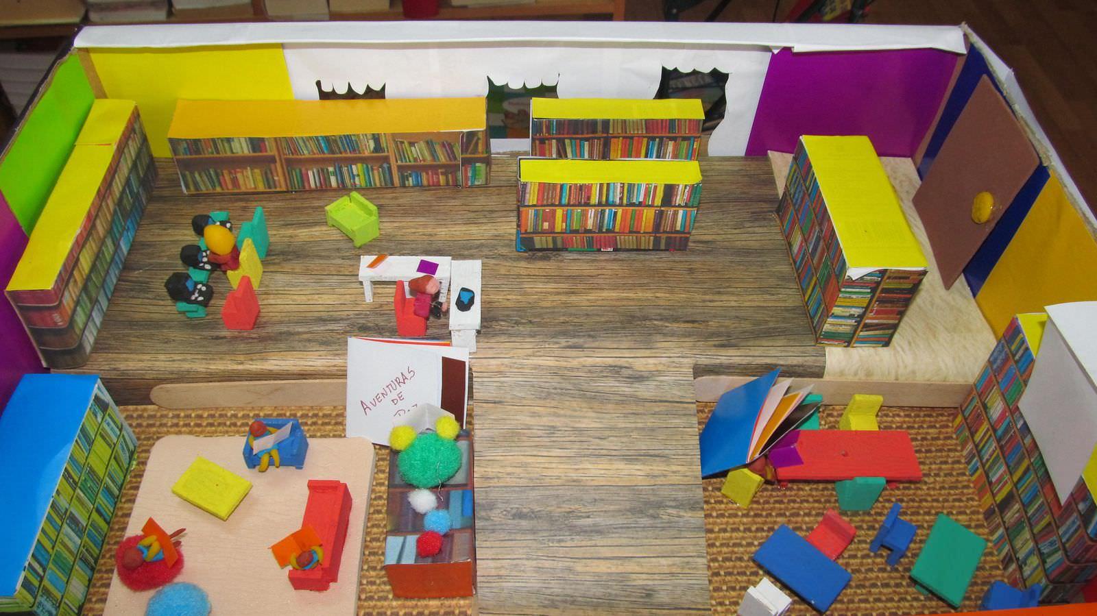 Maquetas biblioteca escuela la milagrosa educando bajo for Partes de una biblioteca
